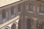 Fase de Instalacion de red anti palomas en el claustro de Casa de la Cultura (Alzira)